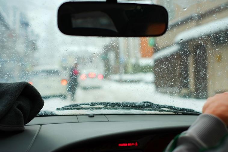 車の中の曇りガラス